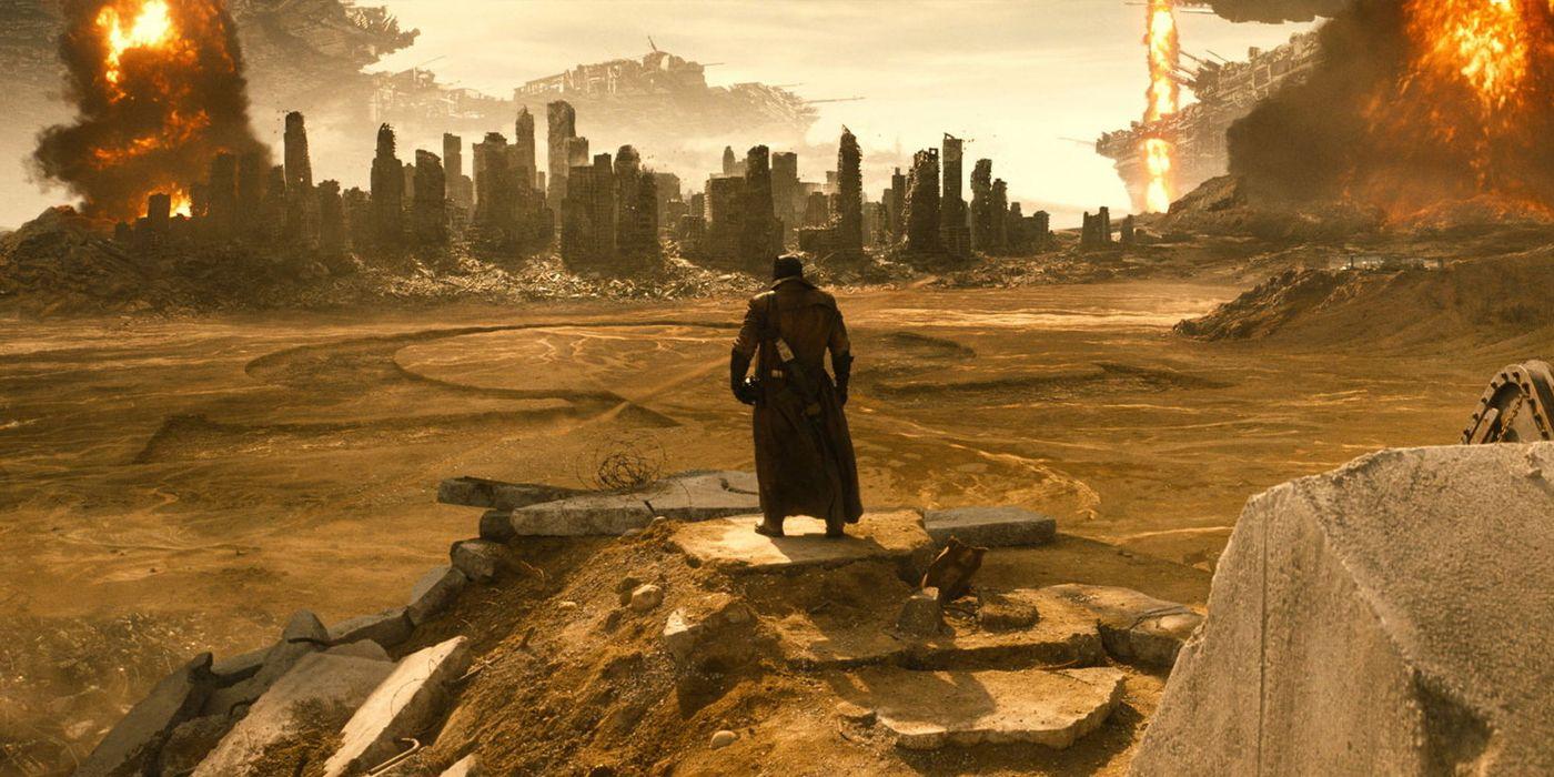 Zack Snyder Confirms His Justice League Includes More Knightmare Footage