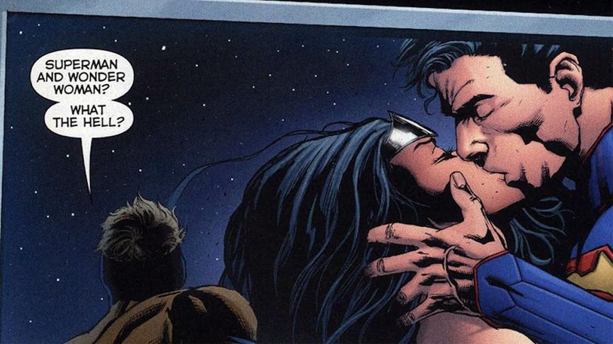Superman kissing Wonder Woman
