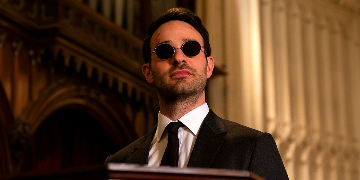 Daredevil Star Charlie Cox Honored Stan Lee at NYCC Dressed as Matt Murdock