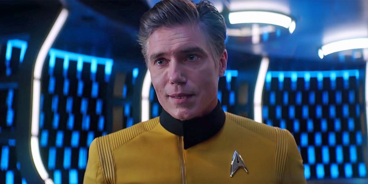 Star Trek: Discovery's Pike & Number One Get Close in S2 First Look