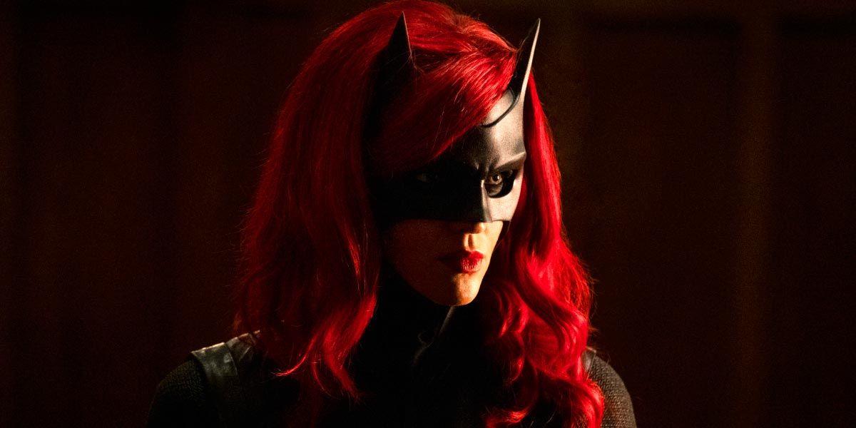 Batwoman Name-Drops Joker and Penguin | CBR