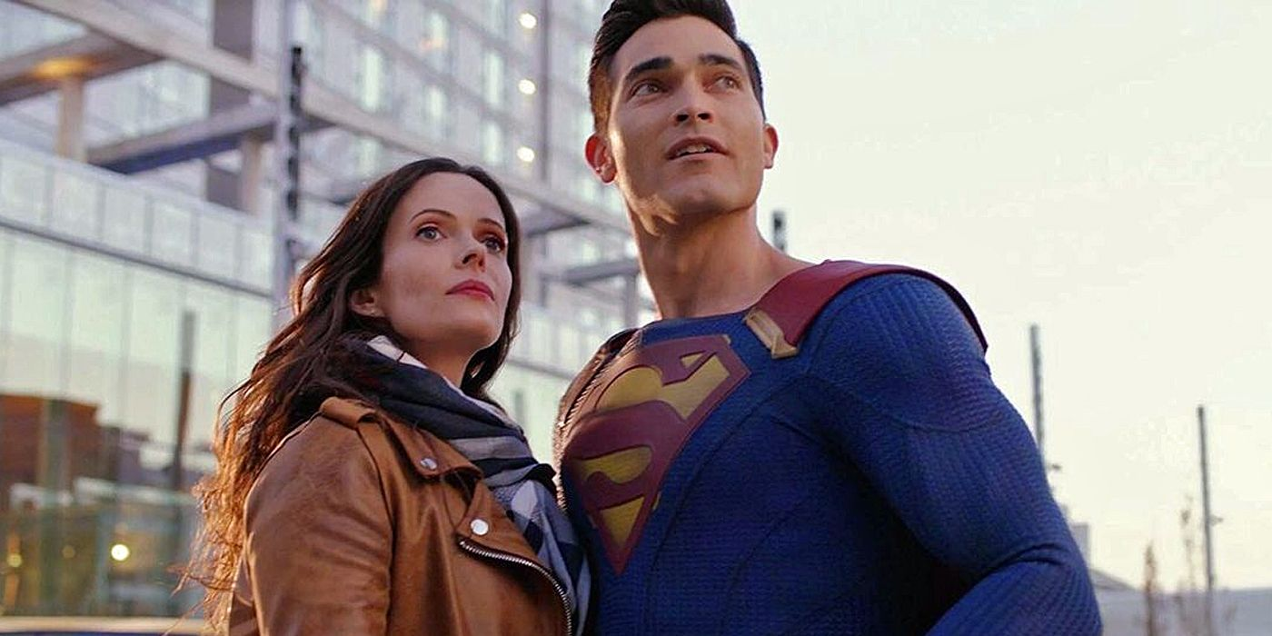 Superman & Lois Showrunner Reveals What Sets The CW Series Apart From Other DC Shows