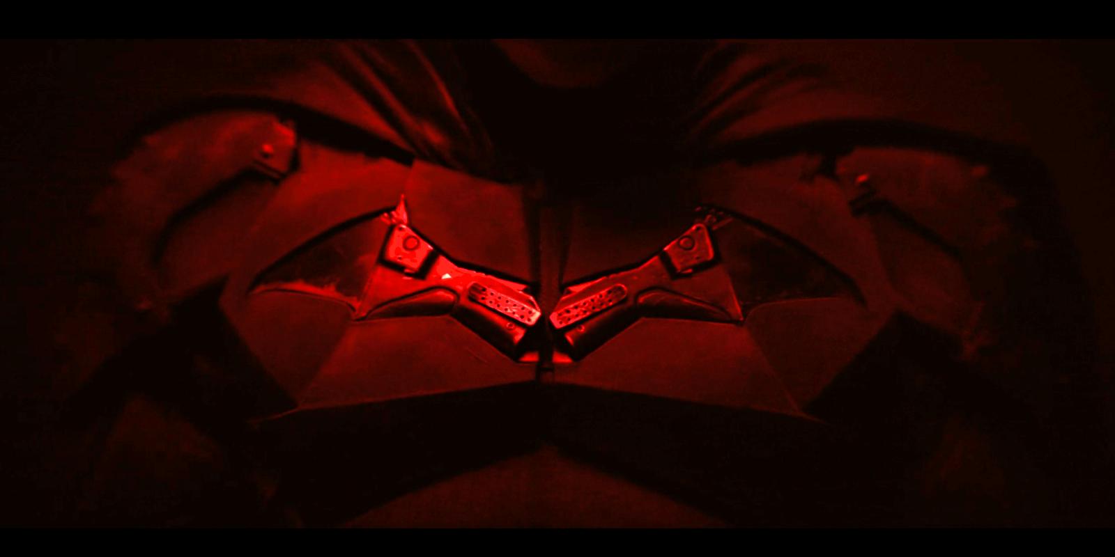The Batman Set Photos Reveal Batsuit, Batcycle